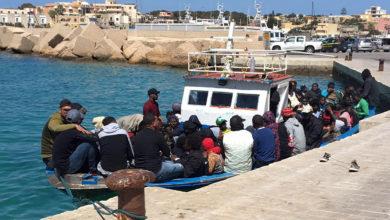Photo of لمبادوزا : عدد المهاجرين التونسيين غير النظاميين يفوق عدد السكان الايطاليين