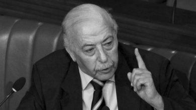 Photo of وفاة الشاذلي العياري محافظ البنك المركزي والوزير السابق